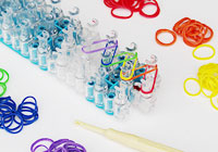 10 Super cool Rainbow Loom ideas and tutorials