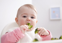 Baby-led weaning: Let your baby feed themselves