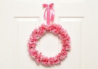 Easy DIY cupcake liner wreath for Valentine's Day