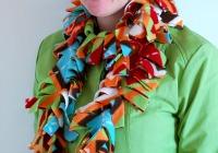 Easy fleece scarf tutorial