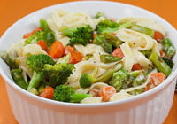 Fettuccine Alfredo with colorful veggies