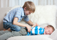 How to curb violence between siblings