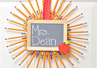 How to make a back to school pencil wreath