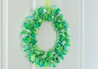 How to make a St. Patrick's Day fabric wreath