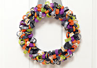 Make a ribbon wreath for Halloween
