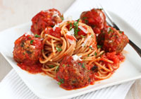 Slow cooker healthy spaghetti and meatballs