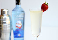 Strawberry shortcake Champagne cocktail