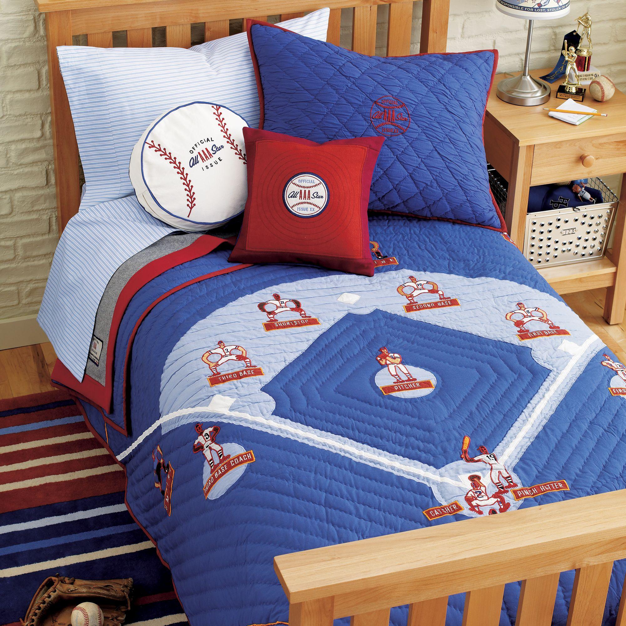 Baseball quilt and bedding for children pinterest for Quilt room design ideas