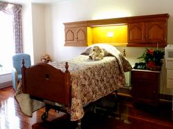 Cedars-Sinai maternity suite