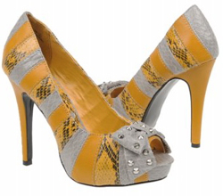 yellow snakeskin pumps