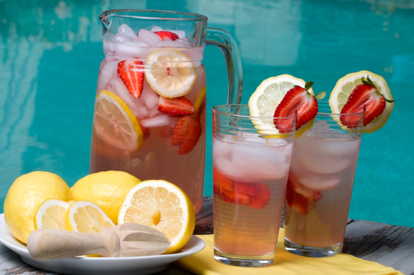 Ice water with lemons and strawberries