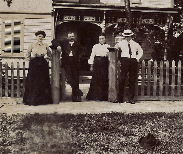 Clues about old photos