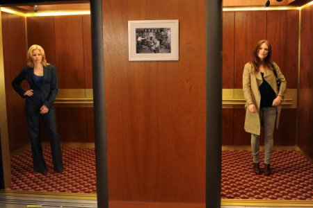Elizabeth Banks and Julianne Moore in 30 Rock