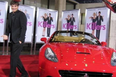 Ashton Kutcher on the red carpet of Killers