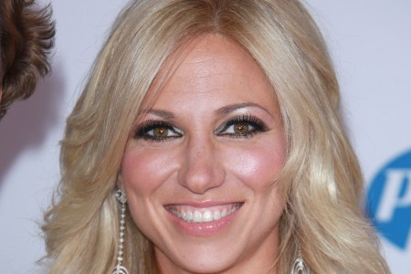 Debbie Gibson returns to SyFy