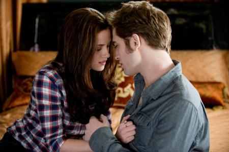 Kristen Stewart and Robert Pattinson in Eclipse