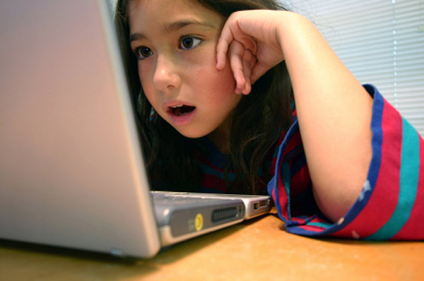 Kids online: Why parents worry