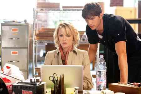 Katherine Heigl and Ashton Kutcher in Killers