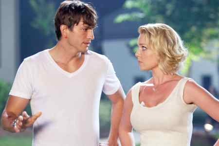Ashton Kutcher and Katherine Heigl in Killers
