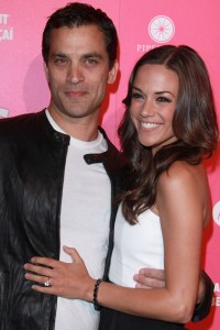 Johnathon Schaech and Jana Kramer marry