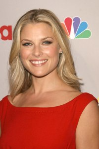 Ali Larter a first time mama!