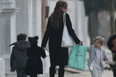 brad pitt and angelina jolie kids names. Angelina Jolie: I do!