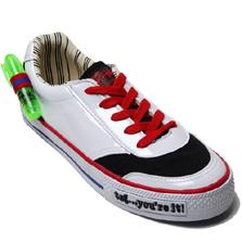 Graffitti write on shoes