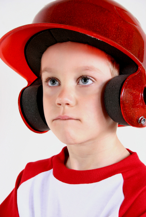 Child-in-baseball-helmet