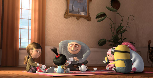 Steve Carell and Miranda Cosgrove in Despicable Me