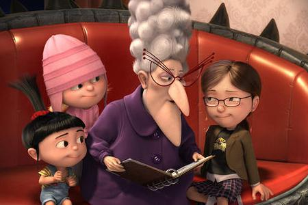 Julie Andrews is Gru's Mother in Despicable Me