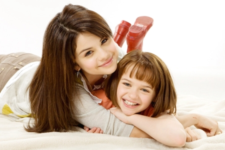 selena gomez haircut in ramona and beezus. Selena Gomez turned 18 July 22