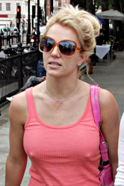 britney spears no bra Contest No Bra
