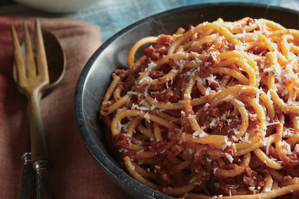 Bucatini all'amatriciana with bacon recipe