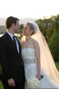 Chelsea Clinton gets married