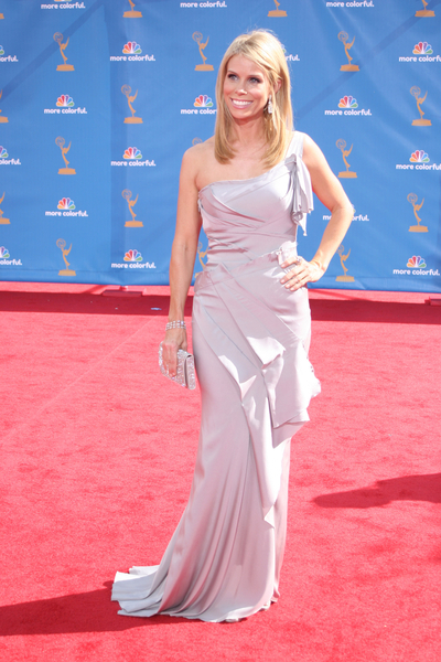 Cheryl Hines at the 2010 Emmy Awards