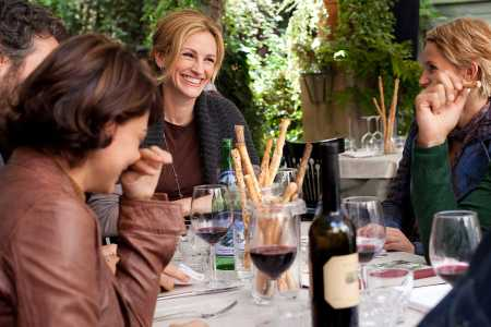 Eat Pray Love star Julia Roberts hosts a dinner