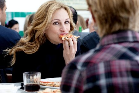 Eat Pray Love finds Julia Roberts eating well