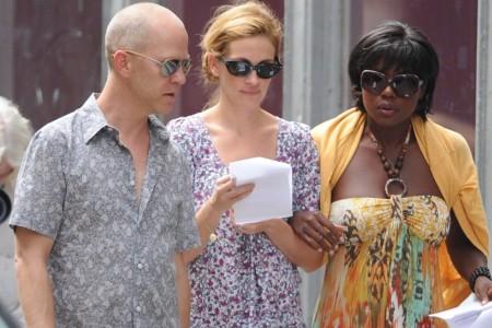 Ryan Murphy, Julia Roberts and Viola Davis on the Eat Pray Love set
