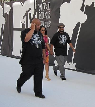 VMA white carpet: Music's hot shots!