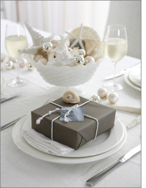 4 Unexpected holiday party tablescapes