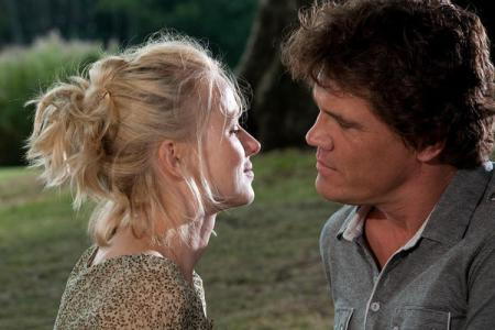 Naomi Watts and Josh Brolin