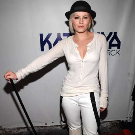 Celebrity Halloween Costume: Elisha Cuthbert