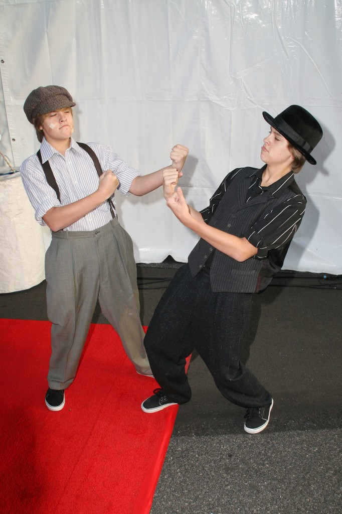 Celebrity Halloween Costume: Cole Sprouse and Dylan Sprouse