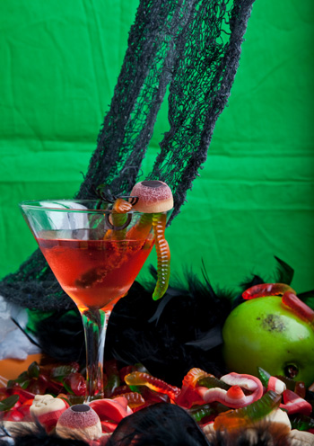 Halloween slimy worm cocktail