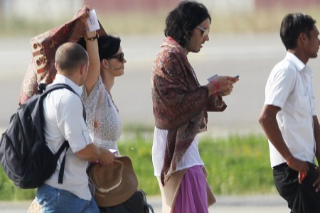 Katy Perry and Russell Brand leaving India for their honeymoon