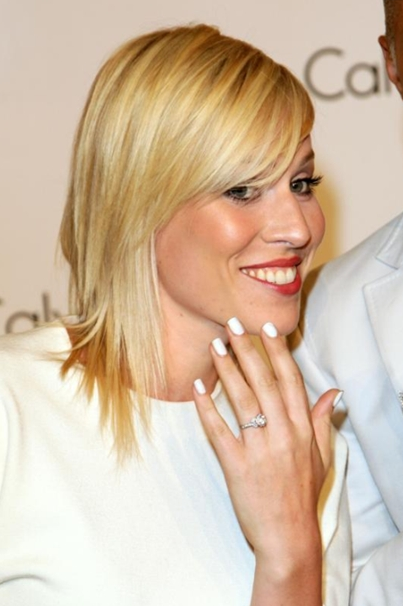 Popular Celebrity Nail Color Trends 2011 - becomegorgeous.com