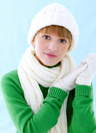 Winter woman wearing gloves