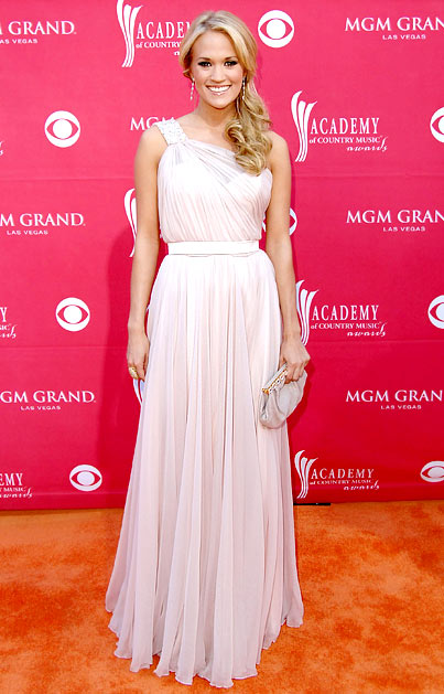 carrie underwood acm red carpet