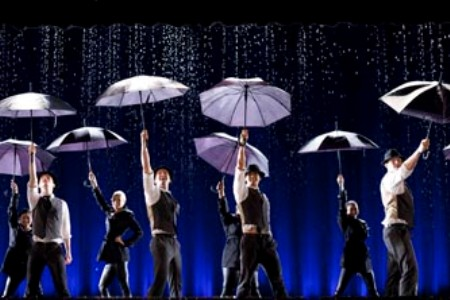Glee does Singing in the Rain and Umbrella
