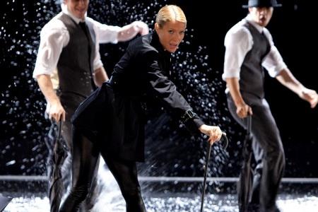Glee: Gwyneth Paltrow rocks